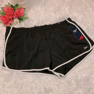 Reebok NWT relaxed athletic shorts size XL